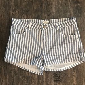 H and M shorts nwot